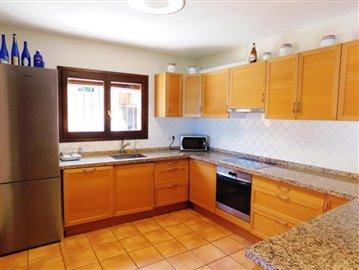 villa-for-sale-in-denia-10-jpg