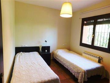 Property-for-sale-in-denia-1-jpg