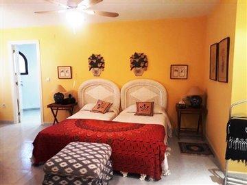 property-for-sale-in-denia-bedroom