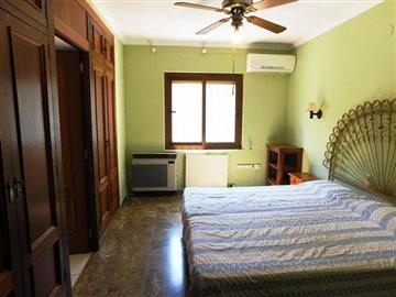 property-for-sale-in-denia-bedroom-3