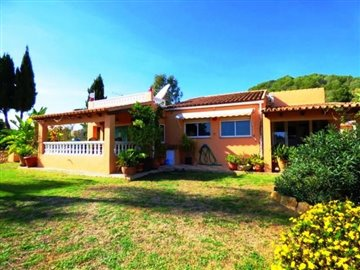 villa-for-sale-in-denia-garden-with-house---Copy