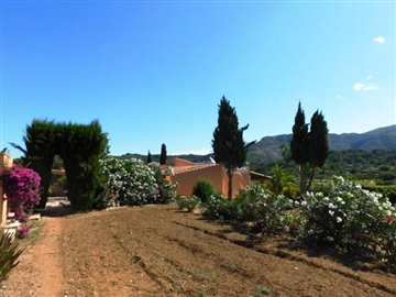 villa-for-sale-in-denia-house-and-view