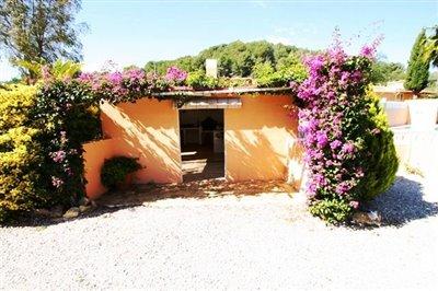 villa-for-sale-in-denia-outside-2