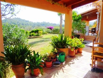 villa-for-sale-in-denia-patio---Copy