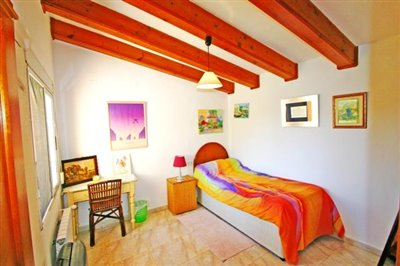 villa-for-sale-in-denia-spare-bedroom