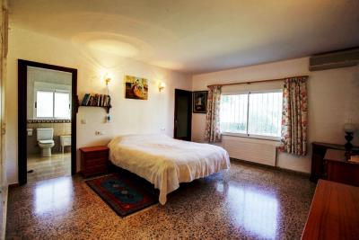 villa-for-sale-in-Denia-10