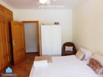 villa-for-sale-in-denia-guest-bedroom-2