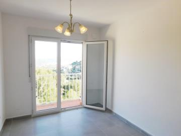 bedroom-of-apartment-for-sale-in-denia
