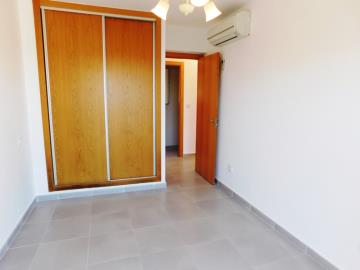 bedroom-wardrobes-of-apartment-for-sale-in-denia