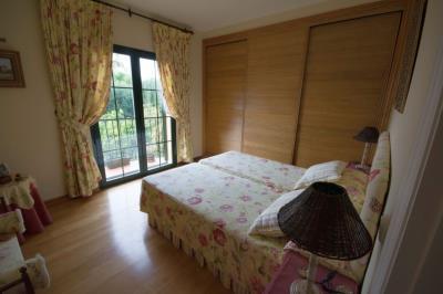 4798-V_1_4_Bedroom