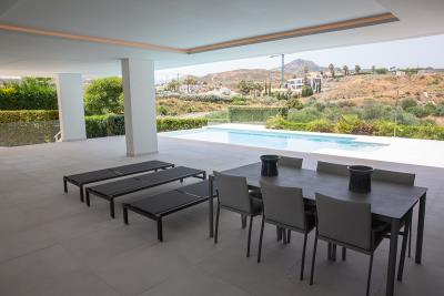 4-4-terraza-vista-piscina