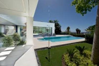 jardin-piscina-piloto