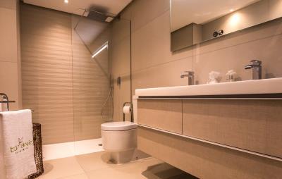 B11_Botanic_Apartments_bathroom--