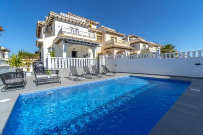 1482_1918-townhouse-with-private-pool-in-lomas-de-cabo-roig-00