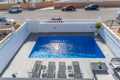 1482_1918-townhouse-with-private-pool-in-lomas-de-cabo-roig-15