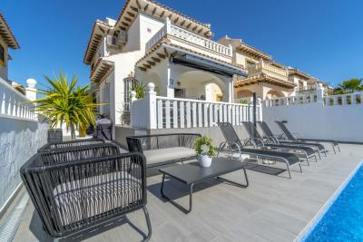 1482_1918-townhouse-with-private-pool-in-lomas-de-cabo-roig-19