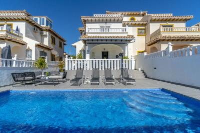 1482_1918-townhouse-with-private-pool-in-lomas-de-cabo-roig-20