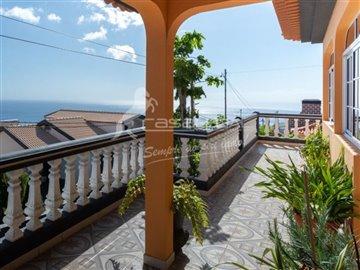 1 - Arco Da Calheta, House