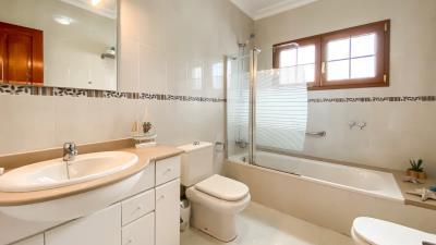 Roper-Properties-Property-For-Sale-in-Lanzarote-Puerto-del-Carmen-Ref-2711--8-of-20-