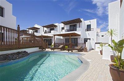 lila-hibiscus-house-pool-1000x