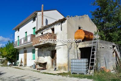 1 - Casoli, House