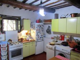 Image No.9-1 Bed Farmhouse for sale