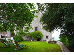 Image No.15-4 Bed Farmhouse for sale