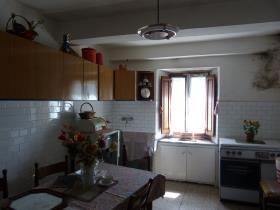 Image No.8-Maison de village de 3 chambres à vendre à Bagni di Lucca