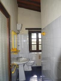 Upstairsbathroom1