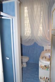 bathroom-window