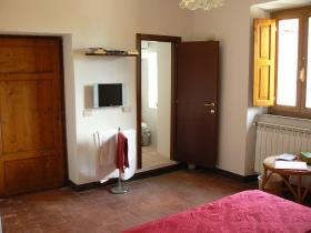 Image No.1-3 Bed Village House for sale