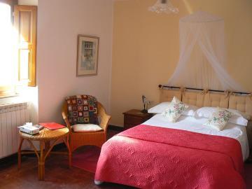 Red-Room-corner