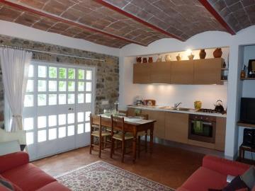 guest-apartment-kitchen