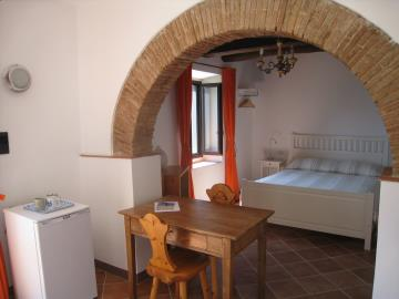 d-tavernetta-2-table-window-bed