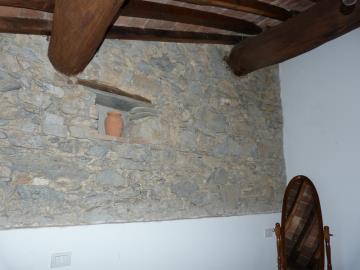 Casa-Caterina-stone-wall