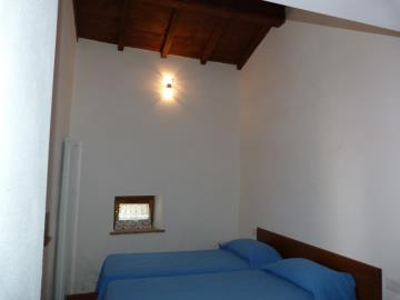 Casa-Caterina-guest-bedroom-downstairs