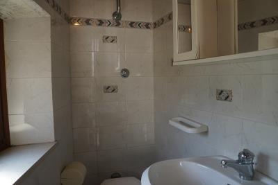 mezzanine-bathroom
