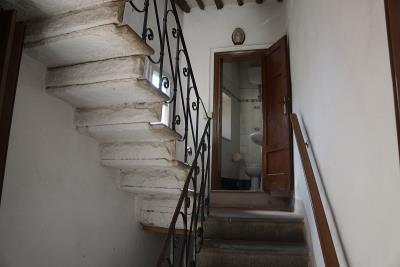 staircase-and-under-staircase-laundry