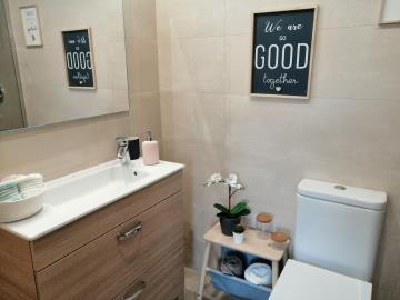 En-suite-bathroom