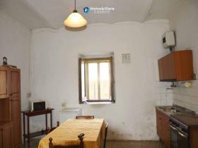 Image No.2-Maison de campagne de 3 chambres à vendre à Atessa