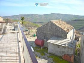 Image No.6-Maison de campagne de 3 chambres à vendre à Atessa