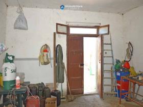 Image No.12-Maison de campagne de 3 chambres à vendre à Atessa