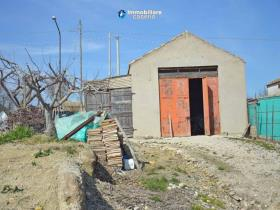 Image No.14-Maison de campagne de 3 chambres à vendre à Atessa