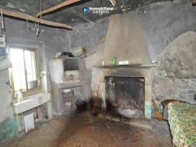 Image No.6-Maison de campagne de 2 chambres à vendre à Roccaspinalveti