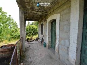 Image No.7-Maison de campagne de 2 chambres à vendre à Roccaspinalveti