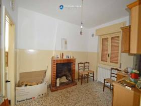 Image No.4-Maison de campagne de 2 chambres à vendre à Torrebruna