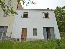 Image No.8-Maison de campagne de 2 chambres à vendre à Torrebruna