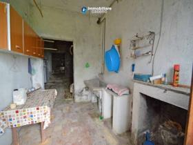 Image No.9-Maison de campagne de 2 chambres à vendre à Torrebruna