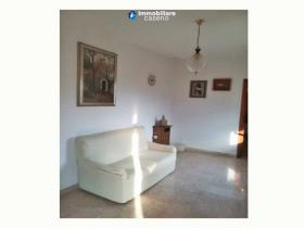 Image No.2-Maison de campagne de 2 chambres à vendre à Roccaspinalveti