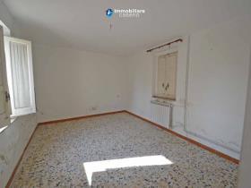 Image No.1-Maison de campagne de 3 chambres à vendre à Scerni